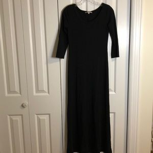 The gap little black maxi dress size extra small